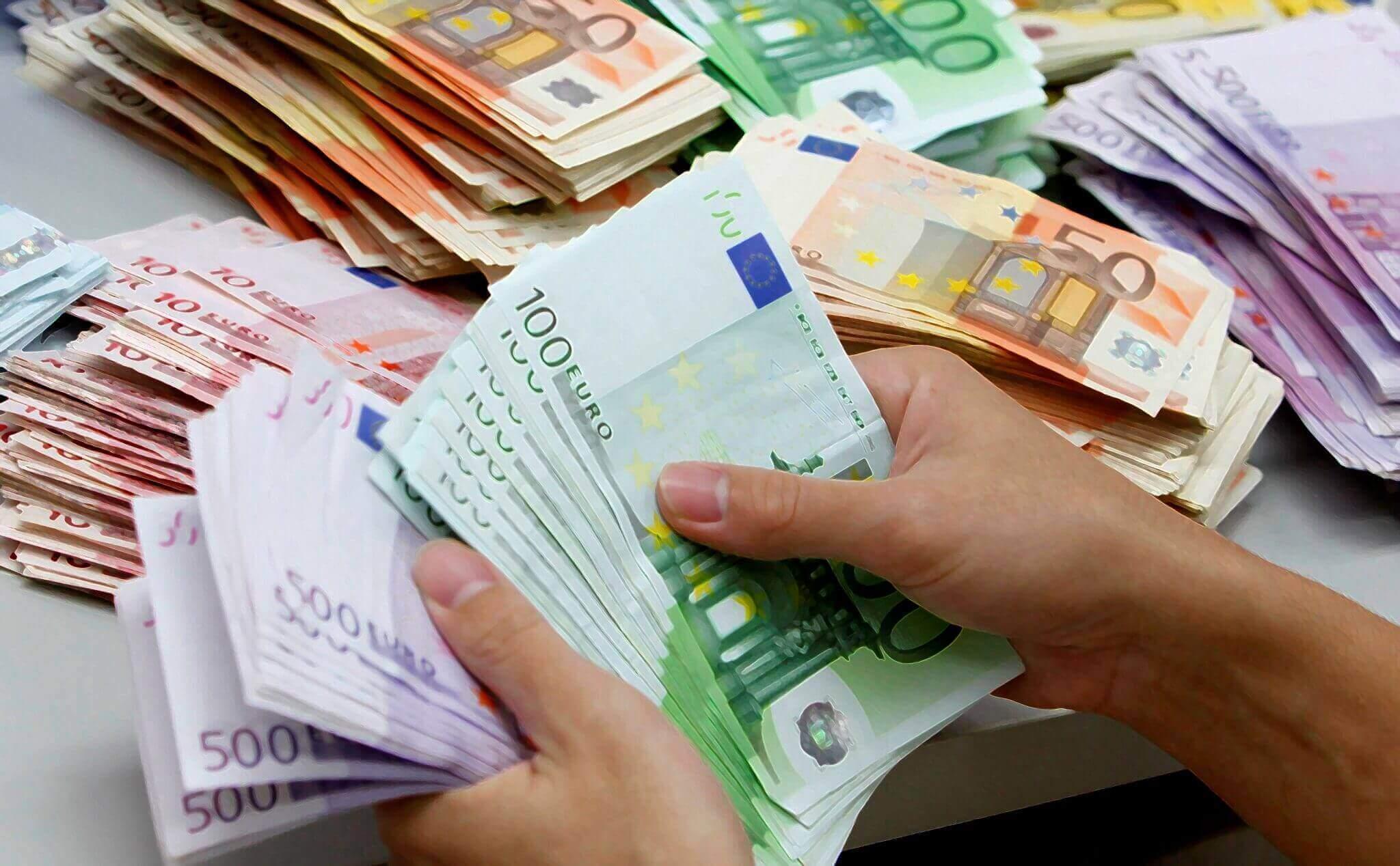 Come attrarre denaro e abbondanza nella tua vita sfruttando la legge di attrazione
